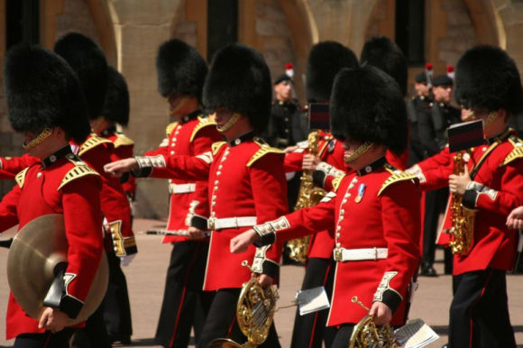 windsor-changing-guards