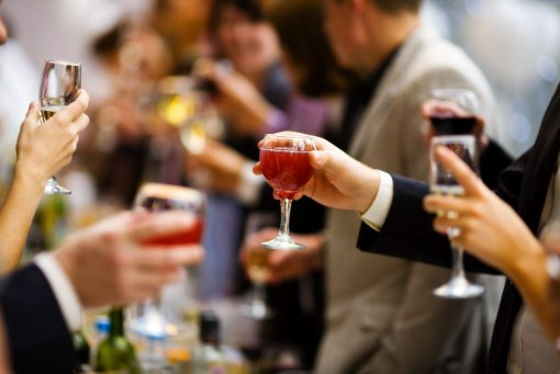 hosting-a-wine-tasting-party[1]